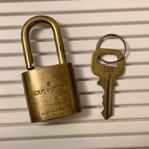 authetic LOUIS VUITTON lockset 323